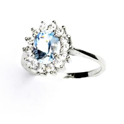 c2e3dec46 Stříbrný prsten, přírodní topaz sky, čiré zirkony, Kate, T 1507 ...
