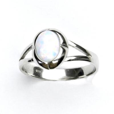 ČIŠTÍN s.r.o Stříbrný prsten, bílý syntetický opál, prstýnek s opálem, T 1374 13155