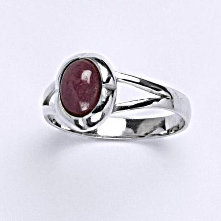 ČIŠTÍN s.r.o Prsten s přírodním rubínem ze stříbra T 1374 6125