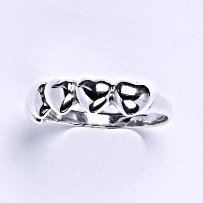 ČIŠTÍN s.r.o Stříbrný prstýnek se srdíčky,prsten ze stříbra,váha 2,07 g 14331