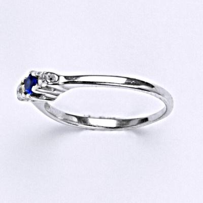 ČIŠTÍN s.r.o Stříbrný prsten se spinelem,prsten ze stříbra T 1222 6275